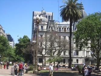 LA PLAZA DE MAYO DE BUENOS AIRES CITY TOURS IN BUENOS AIRES City tours in Buenos Aires