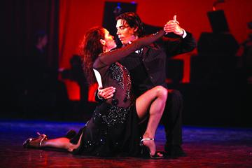 CITY TOURS PRIVADOS EN BUENOS AIRES SHOWS DE TANGO ARGENTINO City tours in Buenos Aires